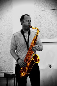 Tenor sax player grooveplanet Laurens